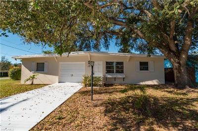 Naples Single Family Home For Sale: 3484 Lakeview Dr