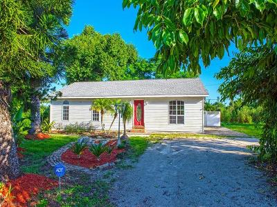 Naples Single Family Home For Sale: 5371 Dixie Dr