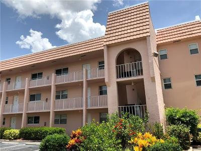 Naples Condo/Townhouse For Sale: 300 Forest Lakes Blvd #111