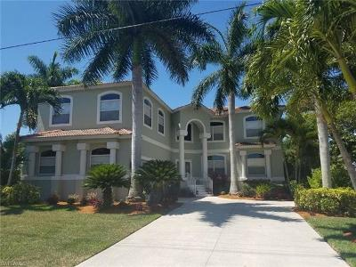 Bonita Springs Single Family Home For Sale: 221 3rd St