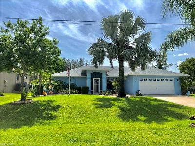 Cape Coral Single Family Home For Sale: 141 SW 36th Pl