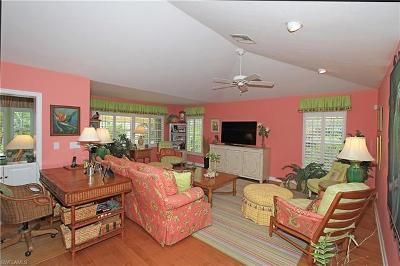 Naples Single Family Home For Sale: 807 Rue Deville