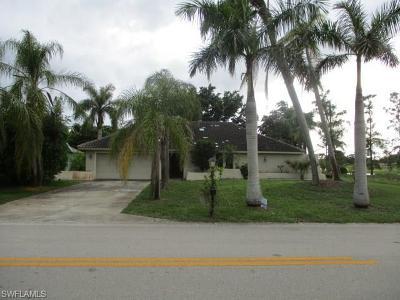 Naples Single Family Home For Sale: 2305 Kings Lake Blvd