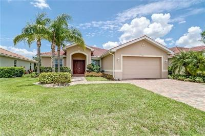 Naples Single Family Home For Sale: 1440 Birdie Dr