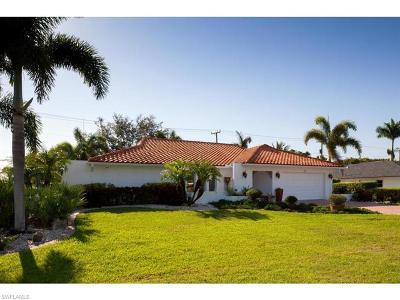 Naples Single Family Home For Sale: 152 Palm River Blvd