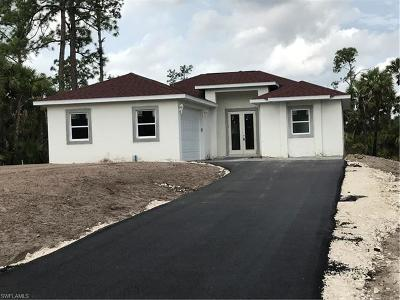 Naples Single Family Home For Sale: 2677 SE 38th Ave