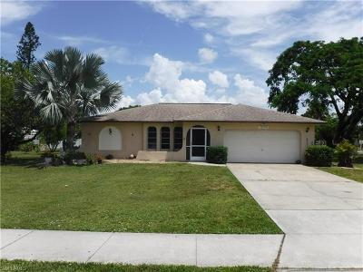 Bonita Springs Single Family Home For Sale: 10155 Pennsylvania Ave