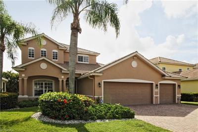 Naples Single Family Home For Sale: 8493 Laurel Lakes Blvd