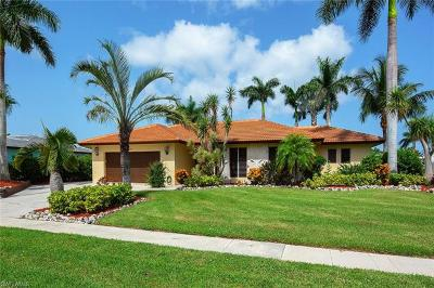 Marco Island Single Family Home For Sale: 1240 Laurel Ct