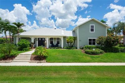 Marco Island Single Family Home For Sale: 1767 Hummingbird Ct