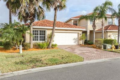 Fort Myers Single Family Home For Sale: 10355 Carolina Willow Dr