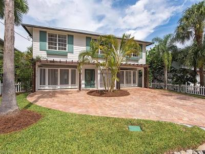 Naples Single Family Home For Sale: 1285 Belaire Ct