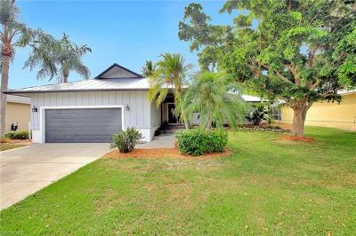 Marco Island Single Family Home For Sale: 1325 Bayport Ave