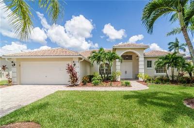 Naples Single Family Home For Sale: 3303 Potomac Ct