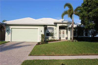 Marco Island Single Family Home For Sale: 275 S Heathwood Dr