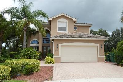 Naples FL Single Family Home For Sale: $500,000
