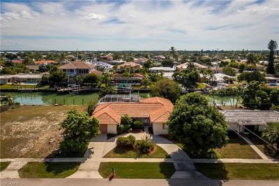 Marco Island Single Family Home For Sale: 1221 Mulberry Ct