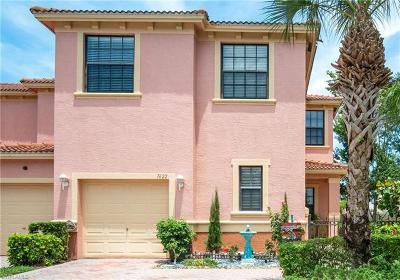 Naples Condo/Townhouse For Sale: 7622 Bristol Cir