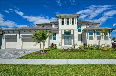 Marco Island Single Family Home For Sale: 35 Anchor Ct