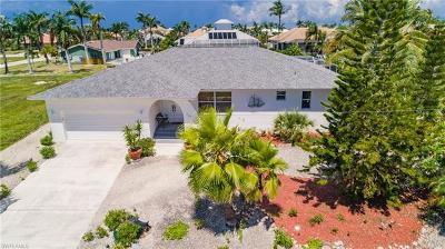 Marco Island Single Family Home For Sale: 287 Grapewood Ct