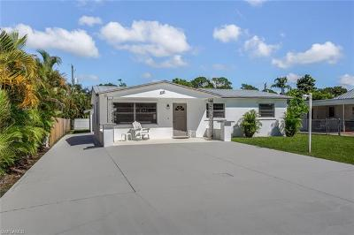 Naples Single Family Home For Sale: 1111 Hollygate Ln