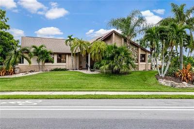 Cape Coral Single Family Home For Sale: 402 SW 51st Ter