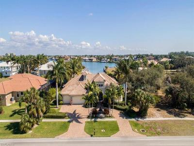 Marco Island Single Family Home For Sale: 791 Kendall Dr