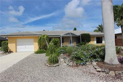 Marco Island Single Family Home For Sale: 370 Hazelcrest St