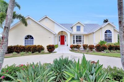 Marco Island Single Family Home For Sale: 467 Nassau Ct