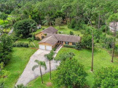 Naples Single Family Home For Sale: 5780 Golden Oaks Ln