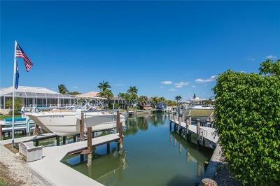 Marco Island Single Family Home For Sale: 297 Castaways St