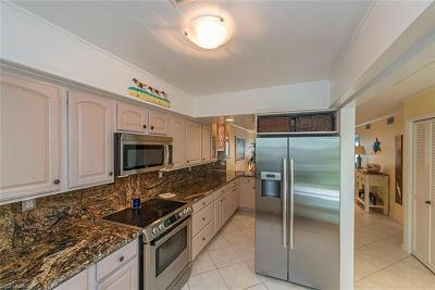 Naples Condo/Townhouse For Sale: 276 S 2nd St #276