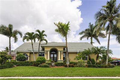 Marco Island Single Family Home For Sale: 337 Grapewood Ct