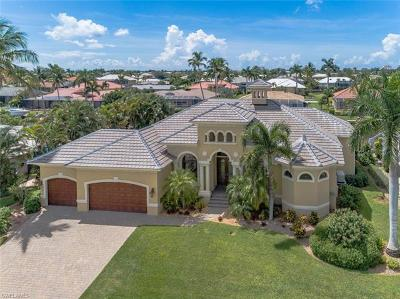 Marco Island Single Family Home For Sale: 350 Meadowlark Ct