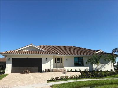 Marco Island Single Family Home For Sale: 1670 Almeria Ct