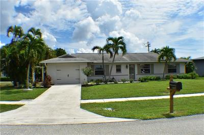 Marco Island Single Family Home For Sale: 105 S Bahama Ave