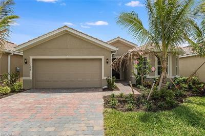 Fort Myers Single Family Home For Sale: 3267 Birchin Ln