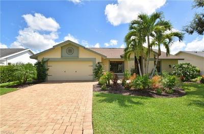 Estero Single Family Home For Sale: 22717 Fountain Lakes Blvd