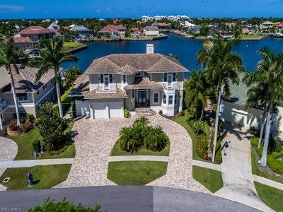 Marco Island Single Family Home For Sale: 545 Tigertail Ct