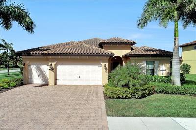 Naples Single Family Home For Sale: 1585 Mockingbird Dr