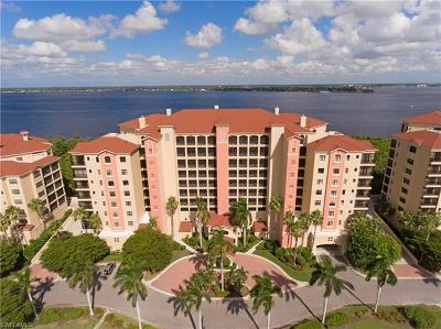 Fort Myers Condo/Townhouse For Sale: 11620 Court Of Palms #103