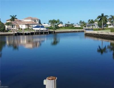 Marco Island Single Family Home For Sale: 70 Peach Ct