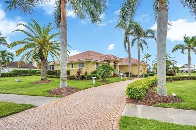 Marco Island Single Family Home For Sale: 1379 SE Bayport Ave