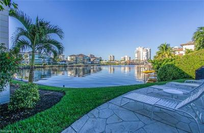 Naples Condo/Townhouse For Sale: 4155 Crayton Rd #208
