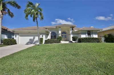 Marco Island Single Family Home For Sale: 1100 Cara Ct