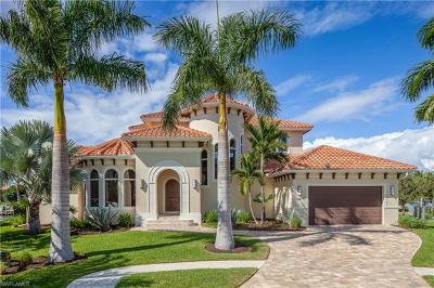Marco Island Single Family Home For Sale: 662 Cameo Ct