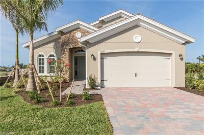 Fort Myers Single Family Home For Sale: 15230 Floresta Ln