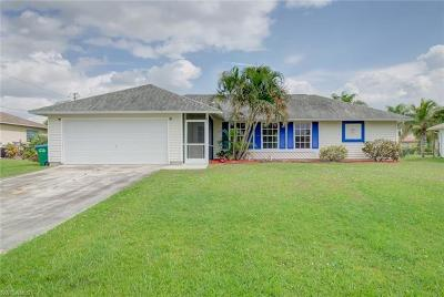 Cape Coral Single Family Home For Sale: 821 SW 10th Pl