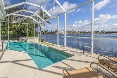 Marco Island Single Family Home For Sale: 131 Landmark St