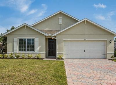 Fort Myers Single Family Home For Sale: 8401 Robin Rd